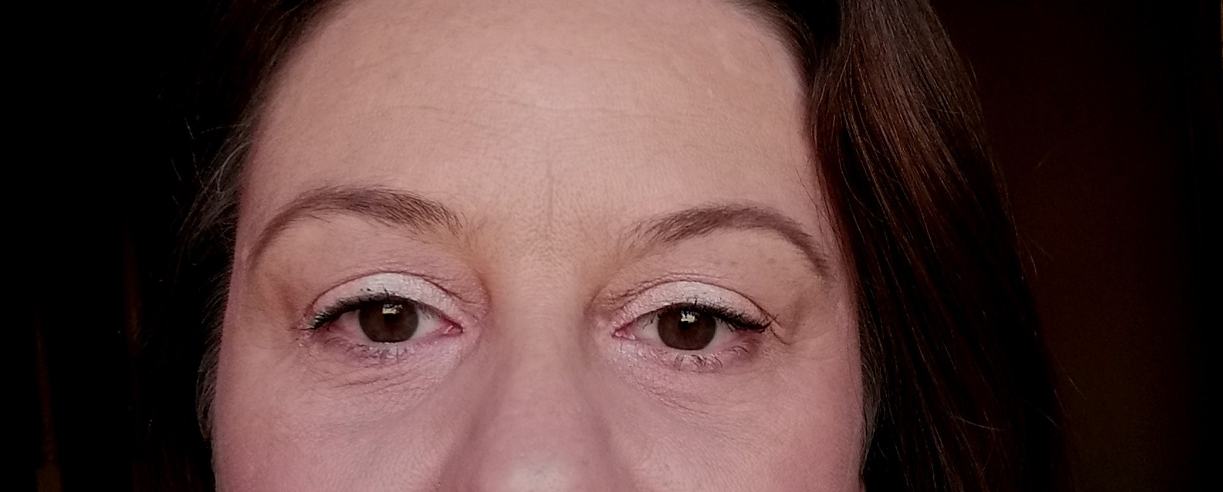 frivole et futile makeup anti cernes couleur orange