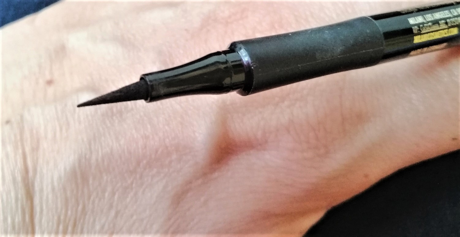 point Eye tech extrême liquid eyeliner 02 shiny black frivole et futile
